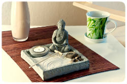 buddha tisch 250