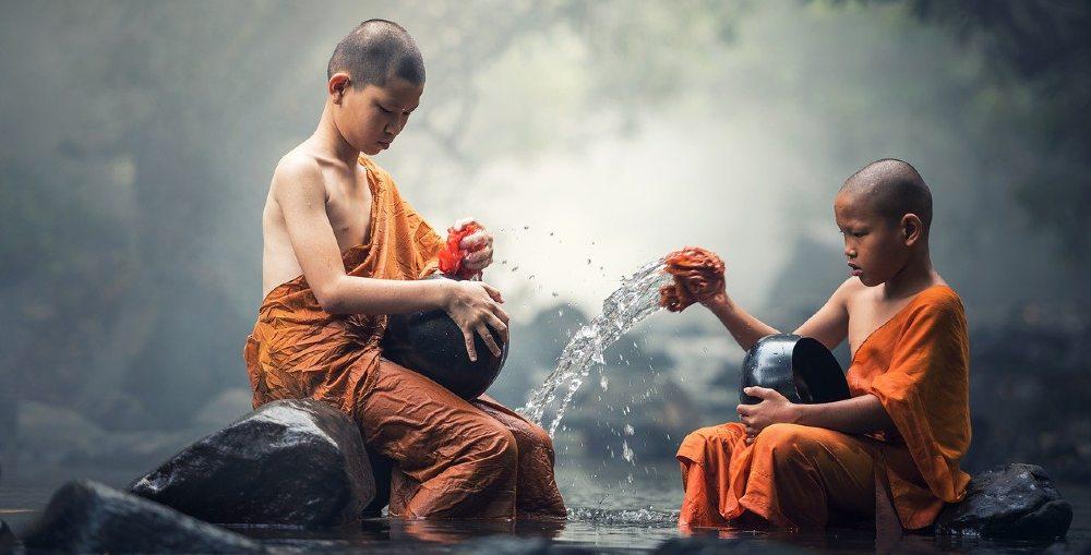 buddhisten reinigung fluss 1000