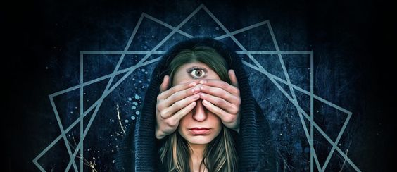 dritte auge frau pentagramm w