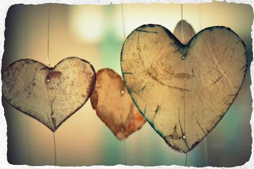 Herzen in der Schwebe