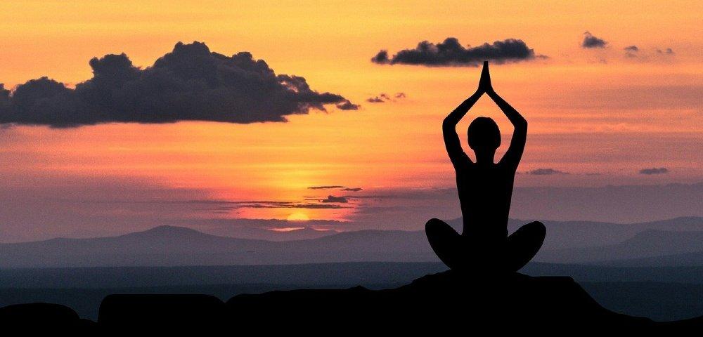 meditation haende zum himmel 1000
