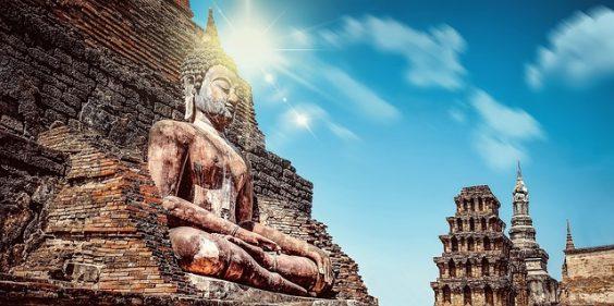 statue meditation tempel sonne