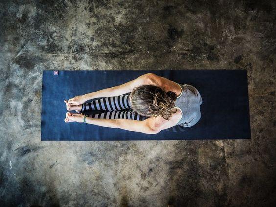 yoga matte grauer boden t 564